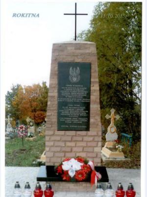Pomnik na polu szarży pod Rokitną