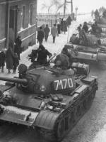 stan wojenny czołgi na ulicy